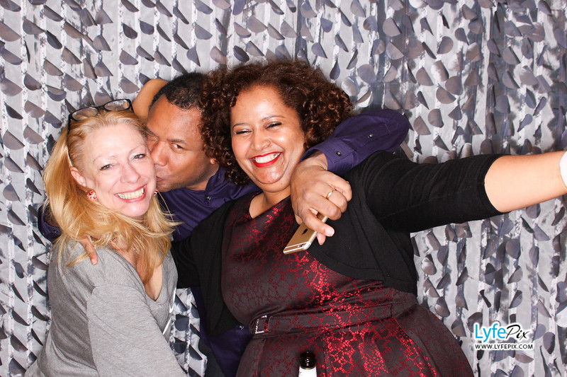 red-hawk-2017-holiday-party-beltsville-maryland-sheraton-photo-booth-0263.jpg