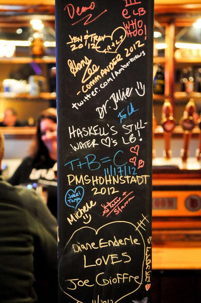 . Leave a message, your name or your number (maybe!) on Lift Bridge\'s taproom pole. (Pioneer Press: Ben Garvin)