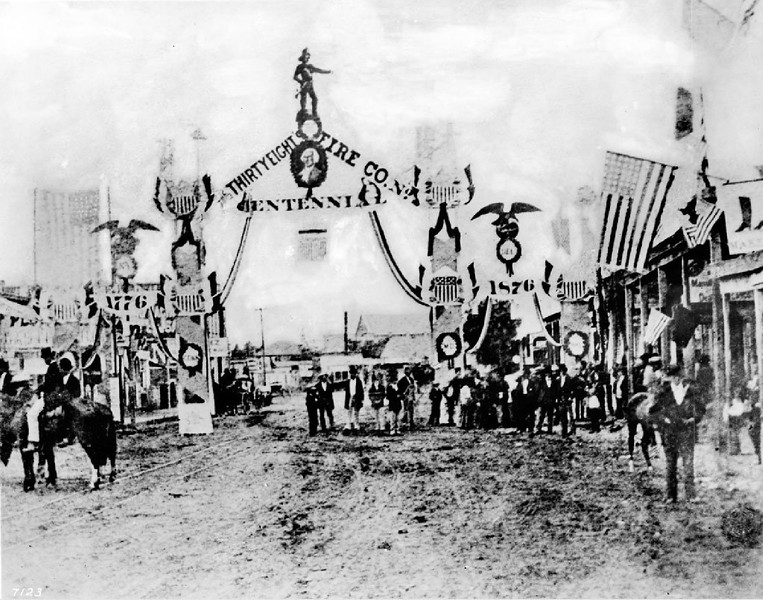 Centennial of American Independence celebration on Spring Street, 1876