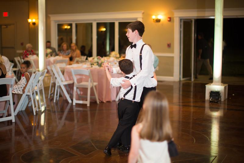 0983_Josh+Lindsey_Wedding.jpg