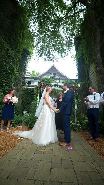 Garrett & Lisa Wedding (370).jpg