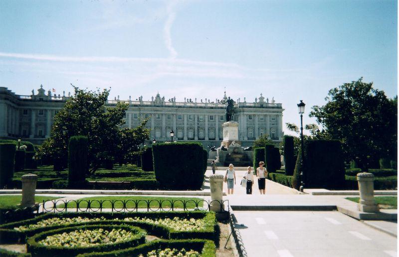 palace_gardens.jpg