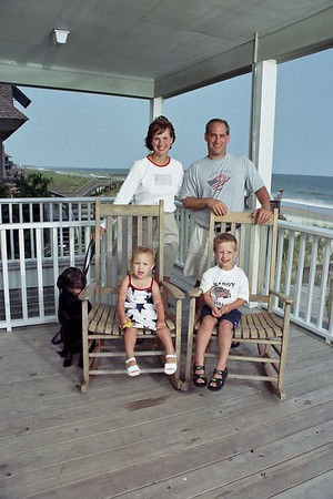 034-1033 LOU HOLTZ FAMILY AT LITCHFIELD