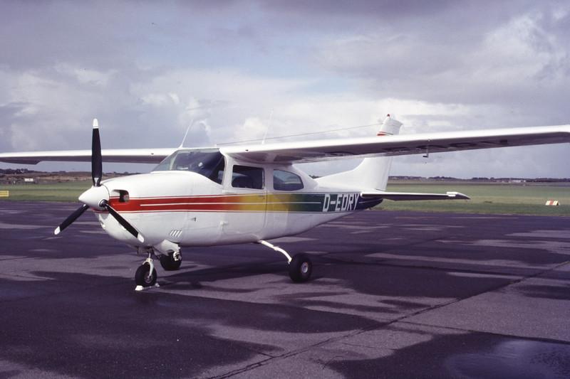 D-EDRY-Cessna210Centurion-Private-EDXW-1988-09-26-CR-47-KBVPCollection.jpg
