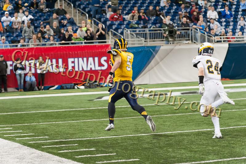 2014 Clarkston Varsity Football vs. Saline 569.jpg