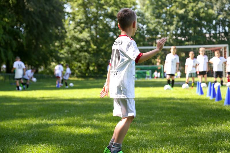 hsv_fussballschule-281_48047994293_o.jpg