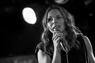 Kikki synger Kate Bush, Garage (Støttekonsert for Ane Storås)