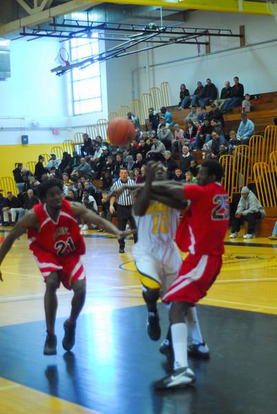 20090301_MCC Basketball_5545.JPG