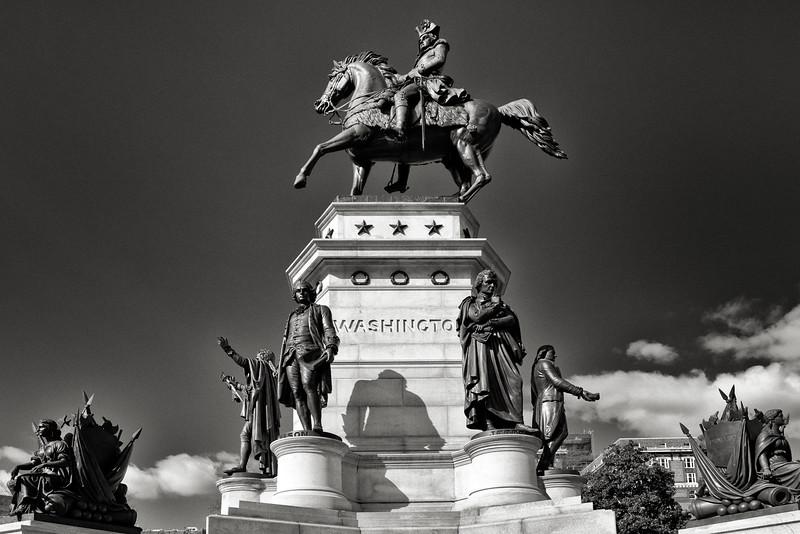statue of Washington