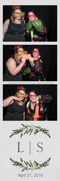 ELP0421 Lauren & Stephen wedding photobooth 57.jpg