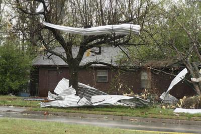 Tornado ravages parts of Cabot, AR, Apr. 3, 08