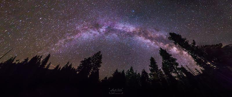 08_10-13_2017_YosemiteHalfDome_MilkywayPano.jpg