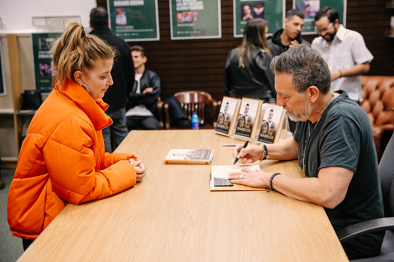 2019_2_28_TWOTW_BookSigning_SP_539.jpg
