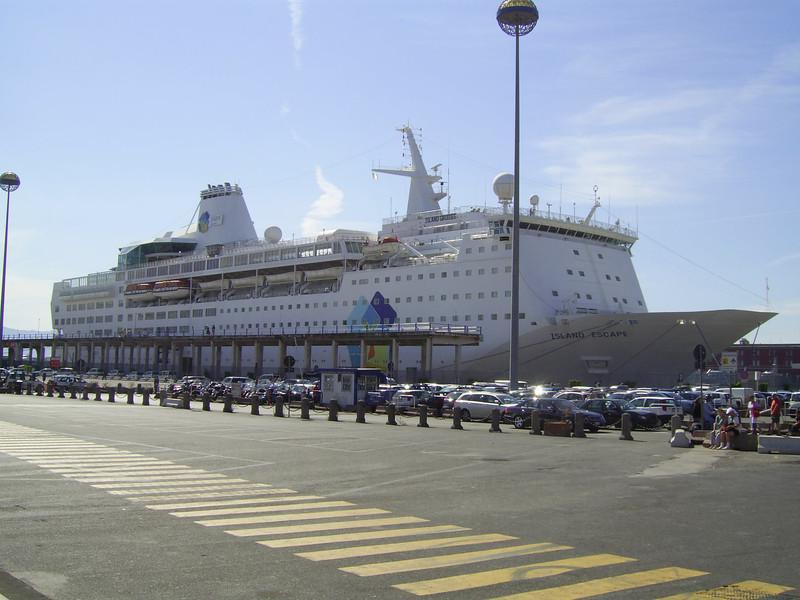 2007 - M/S ISLAND ESCAPE in Napoli.