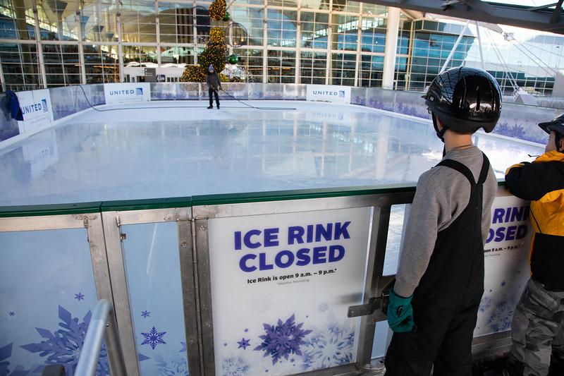 010220_IceSkating-022.jpg