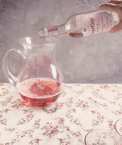 rose sangria recipe header.jpg