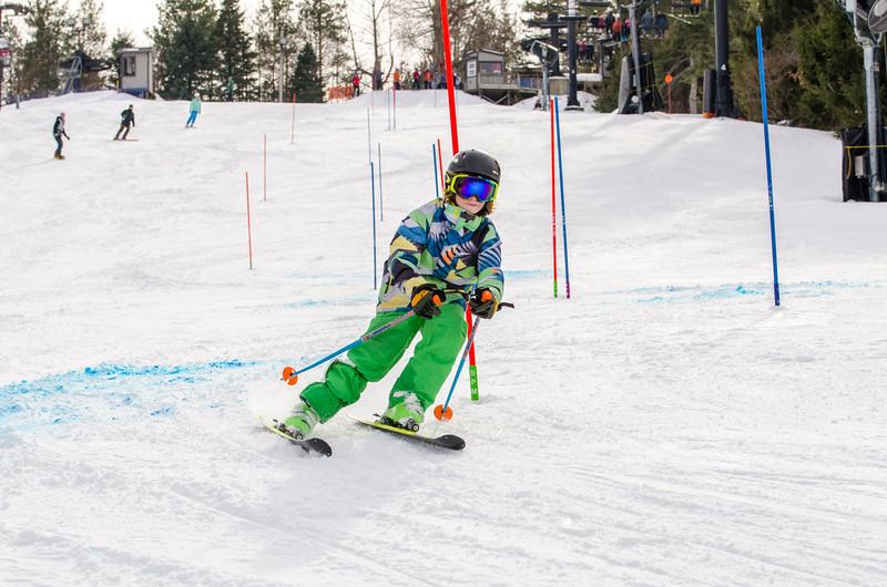 Standard-Races_2-7-15_Snow-Trails-256.jpg