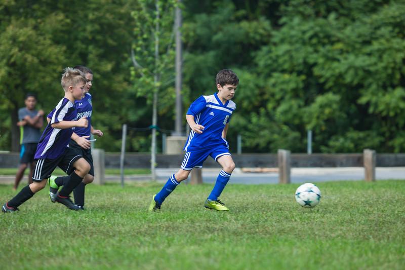 zach fall soccer 2018 game 2-13.jpg
