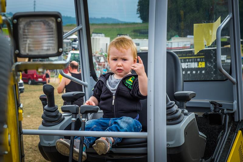 Tractor Pulling 2015 XE2-2559.jpg