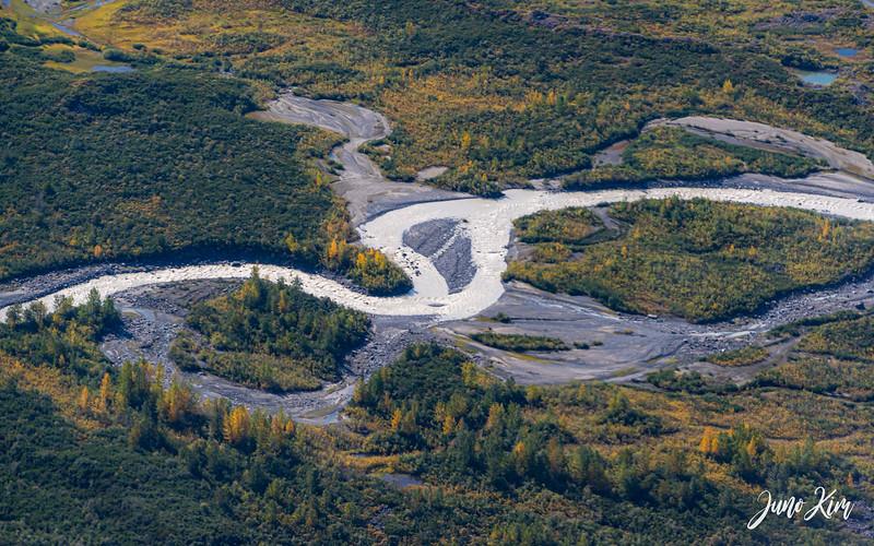 Rust's_Beluga Lake__6100745-2-Juno Kim.jpg