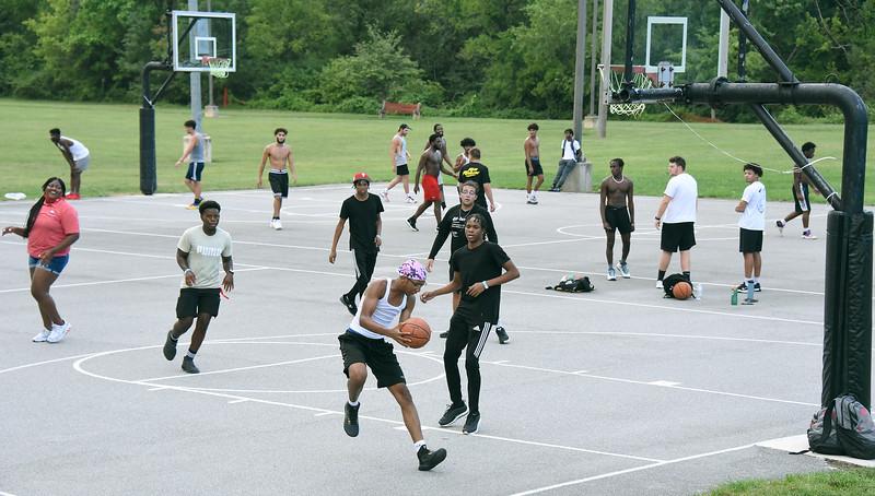 BigRedBBQ_BasketballCourt_ADJ_388.jpg