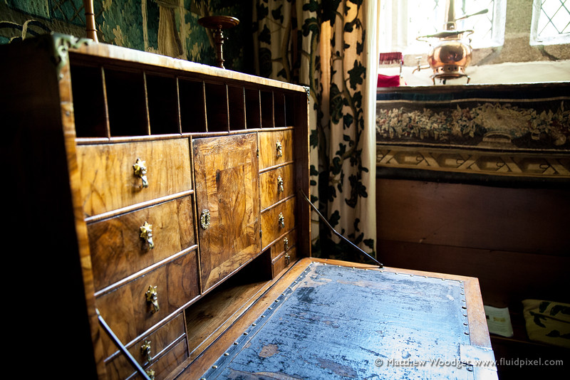 Woodget-140612-810--desk, old fashioned, wooden, wooden box.jpg