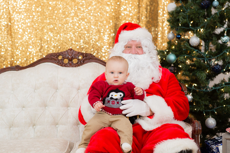 FADS Picture with Santa-153.jpg
