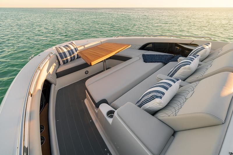 2021-Sundancer-370-Outboard-DAO370-bow-seating-table-05106.jpg