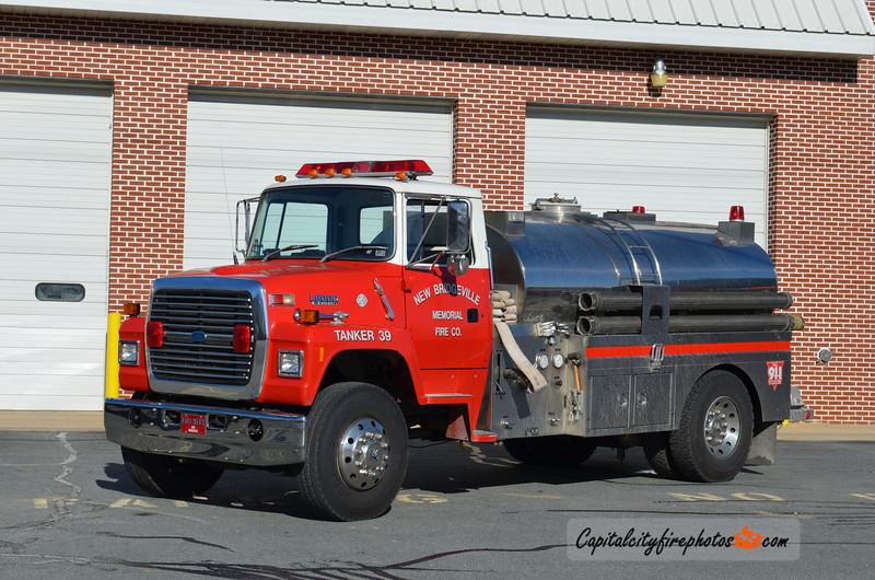 New Bridgeville Tanker 39: 1993 Ford L 500/1800