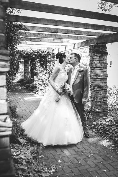 Mr & Mrs Hedges-Gale-155.jpg