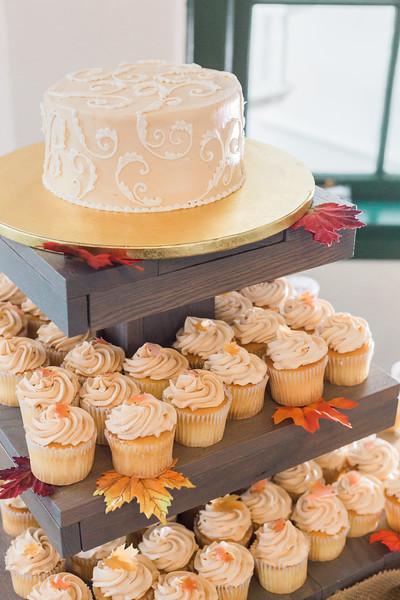 ELP1015 Tara &Phill St Pete Shuffleboard Club wedding reception 19.jpg