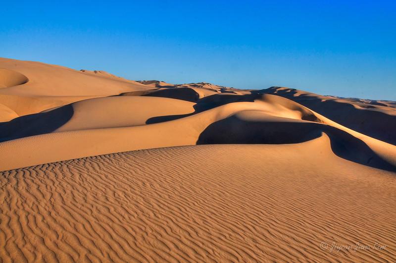 Namibia-Desert-.jpg
