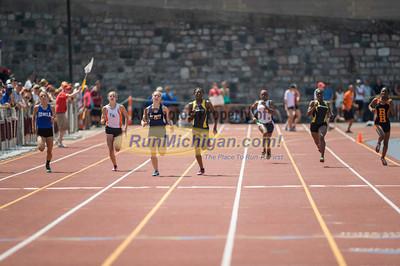 D2 Girls' 200 Meters Final - 2014 MHSAA LP T&F Finals