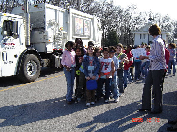 City's Waste Trucks Visit Una Elementary to Display Winning Artwork.