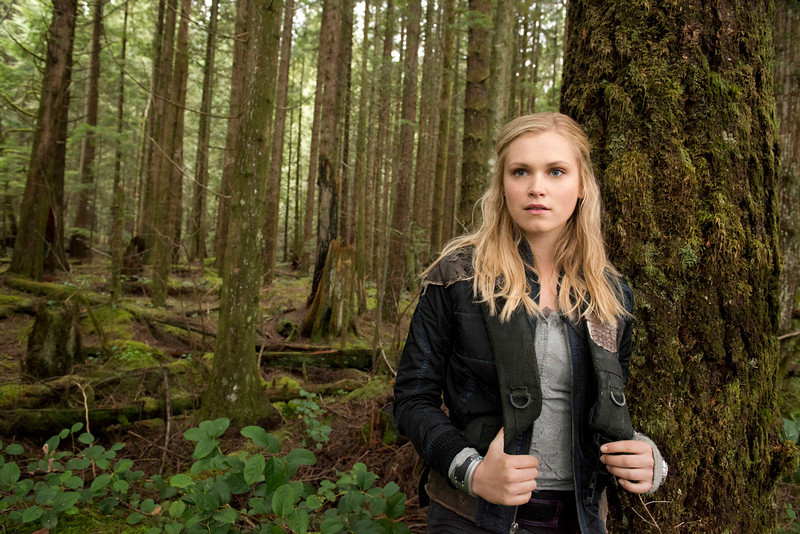 . The 100 --Pictured: Eliza Taylor as Clarke (Photo by Cate Cameron/The CW)