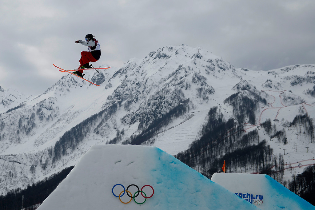 . Devin Logan of the USA competes in the women\'s Freestyle Skiing Slopestyle final in the Rosa Khutor Extreme Park at the Sochi 2014 Olympic Games, Krasnaya Polyana, Russia, 11 February 2014.  EPA/SERGEY ILNITSKY