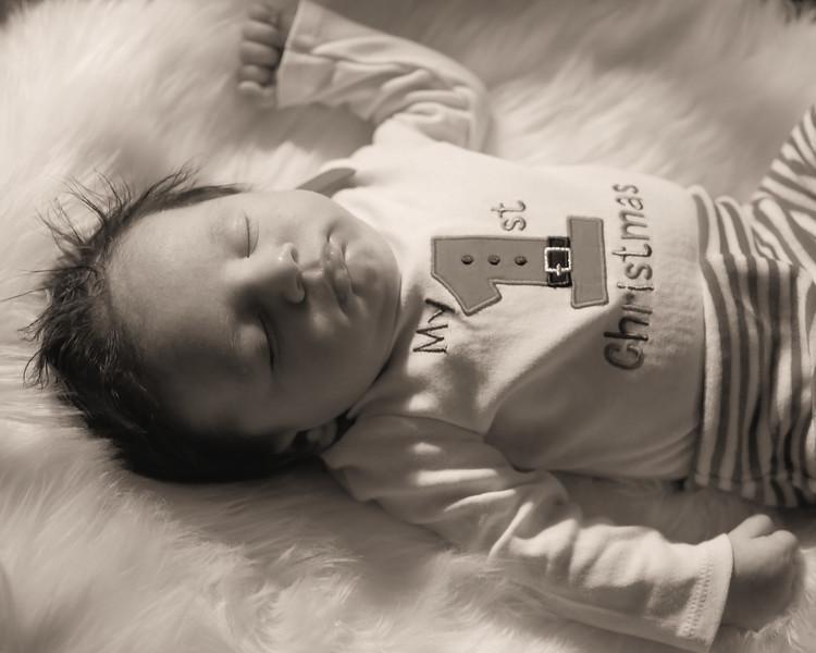 IMG_3118 Medel Newborn BW.jpg