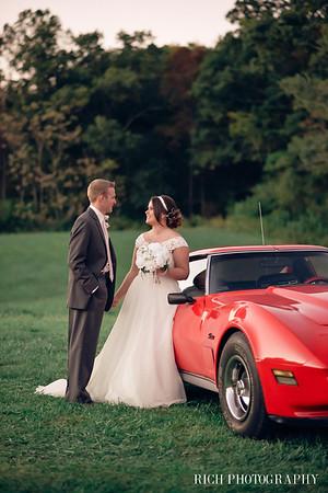 bride and groom knoxville wedding venue antique car.jpg