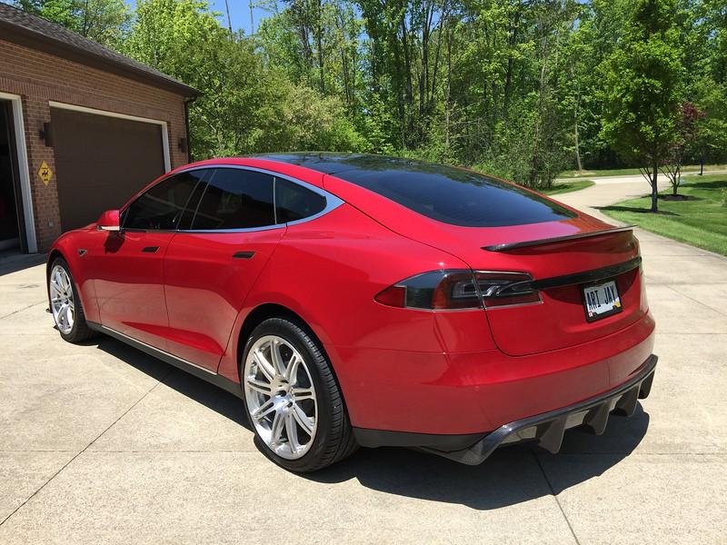Tesla08.jpg