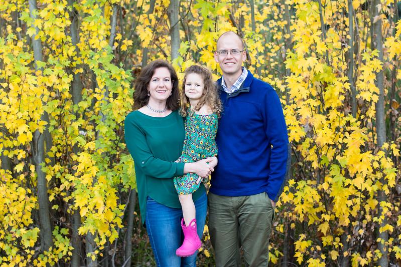 2017-11-11_Knudsen-Family-0245.jpg