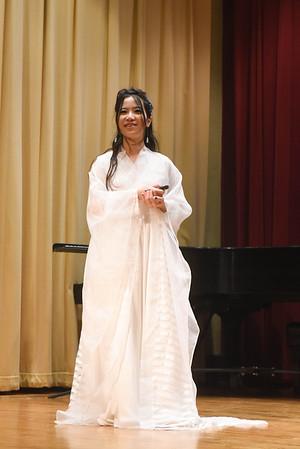 Dr. Melody Li (Li Yunzi) speak to Belomont students