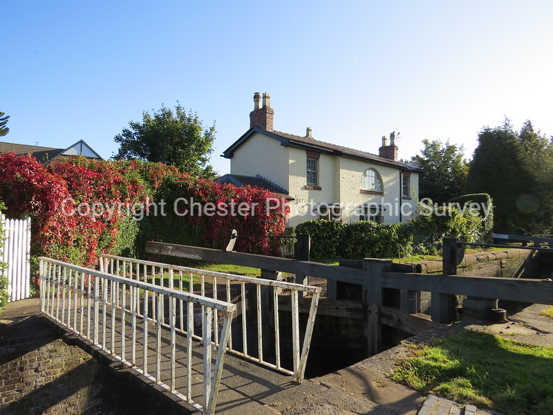 Tarvin Locks House: The Holkham: Vicars Cross