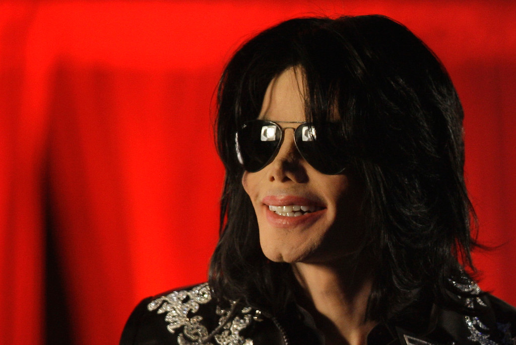 . US singer Michael Jackson announced he was set to play ten live concerts at the London O2 Arena in July at a press conference at the London O2 Arena, Thursday, March 5, 2009.  (AP Photo/Joel Ryan)