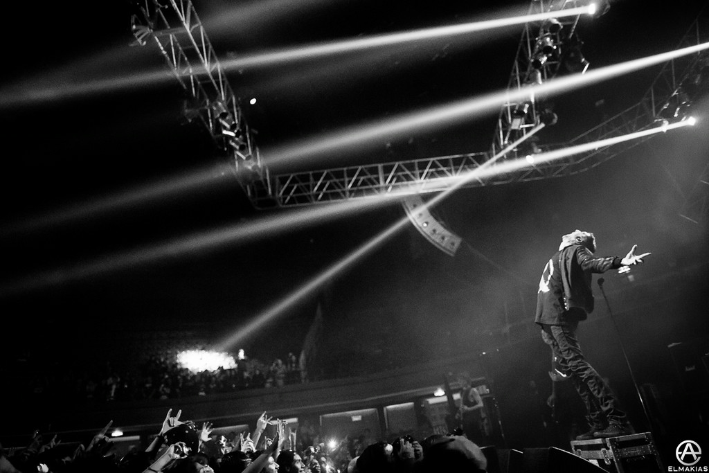 Austin Carlile of Of Mice & Men live in Chile by Adam Elmakias