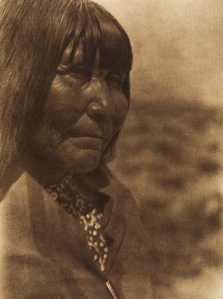 A Paviotso woman of Walker Lake (The North American Indian, v. XV. Norwood, MA, The Plimpton Press, 1926)