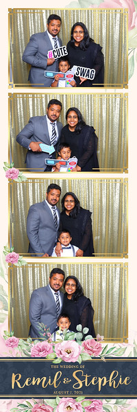 Alsolutely Fabulous Photo Booth 030209.jpg