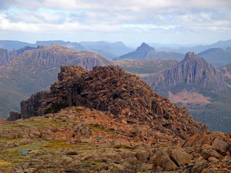 Mt Ossa view S Du Cane Range.jpg