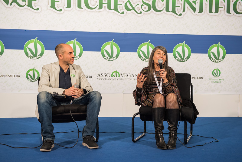 lucca-veganfest-conferenze-e-piazzetta_036.jpg