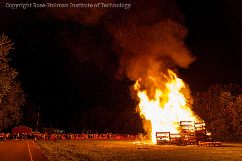RHIT_Homecoming_2019_Bonfire-7460.jpg