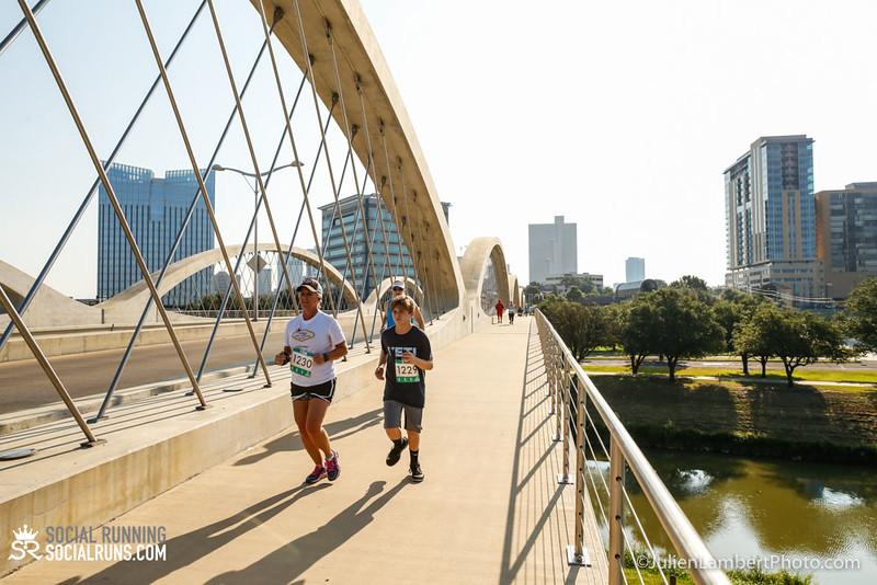 Fort Worth-Social Running_917-0488.jpg